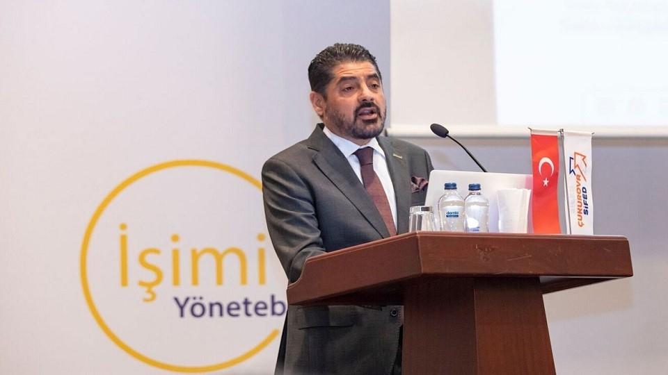 """Türk Girişim ve İş Dünyası Konfederasyonu (TÜRKONFED), Birleşmiş Milletler Kalkınma Programı (UNDP) ve Visa işbirliğinde, Türkiye'deki 27 bankanın desteğiyle hayata geçirilen""""İşimi Yönetebiliyorum""""programının ilk eğitimi Adana'da yapıldı."""