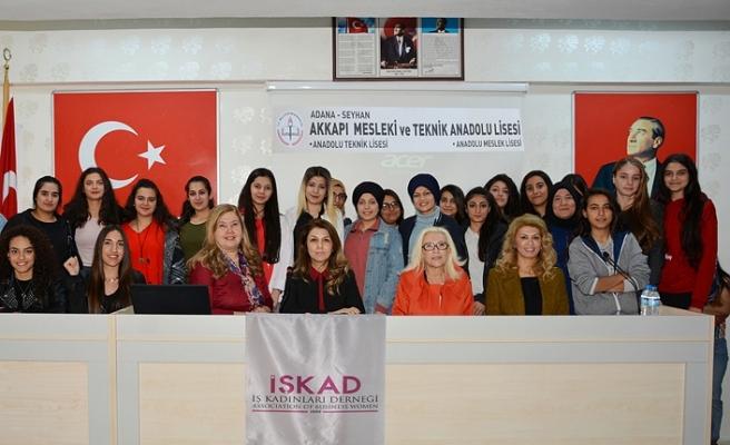 İŞKAD'ın Lise Öğrencilerine Girişimcilik Seminerleri devam ediyor.